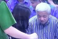 """Siêu lừa Huyền Như """"tiết lộ"""" kẽ hở của ACB trong phiên xử bầu Kiên"""