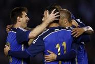 Thắng đậm giao hữu, Argentina vẫn bị chê hết lời