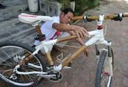 Người chế tạo xe đạp tre du lịch độc đáo ở Quảng Nam
