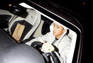Mesut Ozil bị điều tra về việc tông xe