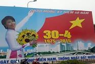 Hà Nội: Thay thế 2 pano phản cảm kỷ niệm 30-4