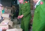 Sản xuất hàng ngàn gói hạt nêm, mì chính giả từ hàng Trung Quốc