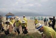 Chung tay làm sạch môi trường biển Đà Nẵng