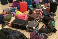 British Airways bỏ khách vạ vật ở sân bay 8 ngày do trễ chuyến
