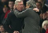 """Mourinho mượn tiệc mừng công """"đá xoáy"""" Arsenal, M.U và Man City"""