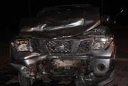 2 xe tô tông trực diện, 9 người nhập viện