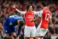 """""""Pháo"""" gầm vang ở Emirates, Everton trắng tay"""