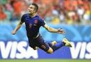 """Tiết lộ hậu trường về siêu phẩm """"Van Persie bay"""" ở World Cup 2014"""