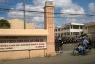 Cà Mau: Trẻ sơ sinh tử vong, người nhà vây bệnh viện