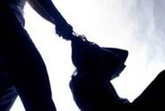 Bắt kẻ dùng búa đập đầu vợ sau 22 năm trốn lệnh truy nã