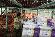 Lỏng lẻo quản lý trái cây ngoại