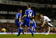 Kane xé nát hàng thủ Chelsea