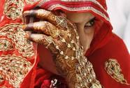 Giận chú rể, cô dâu cưới luôn em chồng