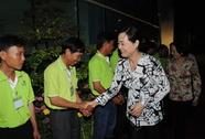 Lãnh đạo TP thăm và chúc Tết công nhân vệ sinh