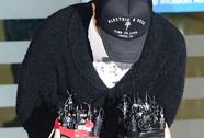 Lee Byung Hun cúi gập đầu xin lỗi ngay sân bay