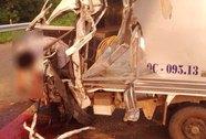 Xe tải đụng xe container, tài xế chết kẹt trong ca bin