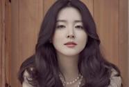 """Lee Young Ae ngồi """"ghế nóng"""" Hoa hậu Hàn Quốc"""