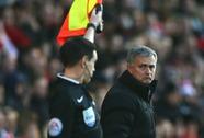 HLV Mourinho sắp bị trừng phạt vì gây hấn với trọng tài