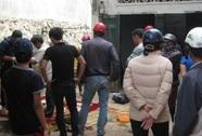Nam thanh niên mất nhiều máu, tử vong trước thềm nhà