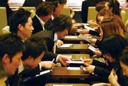 """Thanh niên Nhật """"trọng tiền hơn tình"""""""