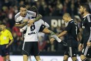Đội bóng của Moyes hạ Barca, Real Madrid thua sốc Valencia