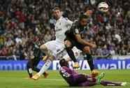 Bám đuổi Barcelona, Real Madrid phải trả giá đắt