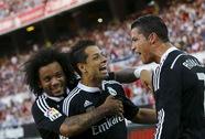 """Ronaldo lập hat-trick, Real Madrid phá sập """"pháo đài"""" Pizjuan"""