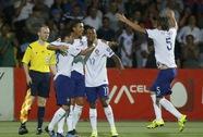 Ronaldo lập hat-trick, Bồ Đào Nha nhọc nhằn giành ngôi đầu bảng