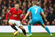 Rooney lập công, M.U trở lại tốp 3 trong bê bối mới của trọng tài