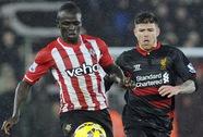 Trọng tài tiếp tay Liverpool đánh bại Southampton