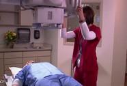 Nữ bệnh nhân thiệt mạng vì bị máy chụp X-quang kẹp đầu