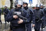 Pháp huy động 10.000 binh sĩ