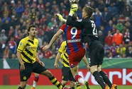 Langerak khiến Bayern thua đơn, thiệt kép