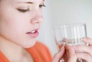 Uống thuốc viên có nên ngậm?
