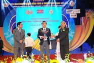 Sacombank nhận giải thưởng Thương hiệu mạnh Việt Nam 2015