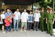 Di lý 4 tội phạm trốn truy nã từ TP HCM về Thanh Hóa