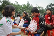 Lo Tết cho trẻ em, sinh viên nghèo