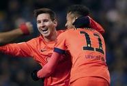 Messi lập hat-trick thứ 30, Barcelona đè bẹp Deportivo