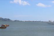 Thả lưới đánh cá, vớt được thi thể đang phân hủy