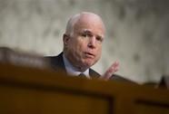 """Vụ xá súng Orlando: Thượng nghị sĩ McCain bất ngờ tuyên bố """"sốc"""""""