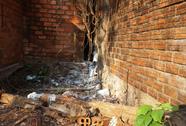 Hơn 2 tháng mới biết có xác người phân hủy cạnh nhà