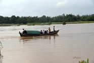Miền Trung: Lũ trên các sông đạt đỉnh, nhiều nơi bị cô lập