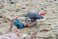 Trung Quốc: 100 tấn rác tràn vào hồ chứa nước uống