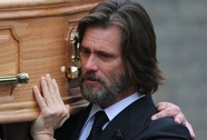 Jim Carrey bị kiện vì cái chết của bạn gái