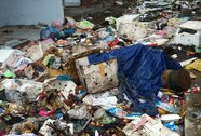"""Chợ tạm thành """"chợ rác"""""""