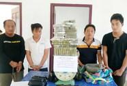 """Bắt 4 người nước ngoài vận chuyển 69 bánh heroin từ """"Tam giác vàng"""""""