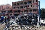 Thổ Nhĩ Kỳ: Hàng loạt đồn cảnh sát bị đánh bom, 234 người thương vong