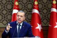 """Ông Erdogan thoát chết nhờ """"máy bay truy sát hết nhiên liệu"""""""