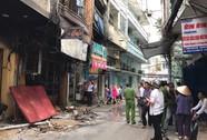 Cháy nhà kinh hoàng, 2 vợ chồng và 3 con gái chết thảm