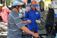 """Bộ Tài chính """"bác"""" tin đề xuất tăng thuế môi trường với xăng dầu"""